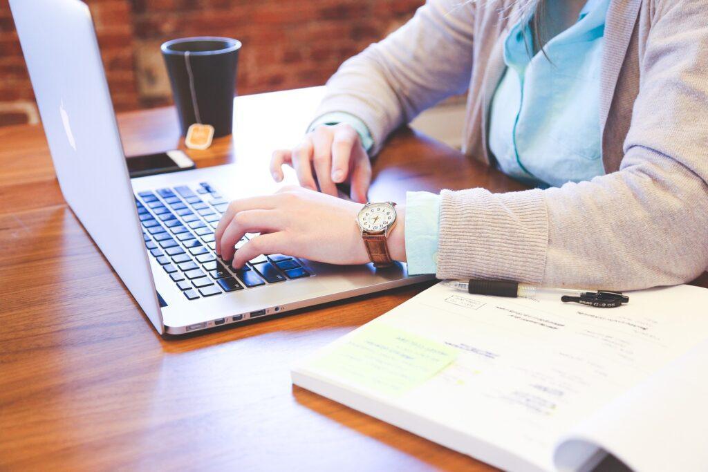 Online Markedsføring - The Online Gurus - Webdesign - Webshop - Tekster